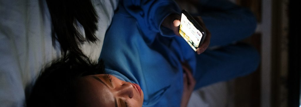 social media effects on sleep quality 2